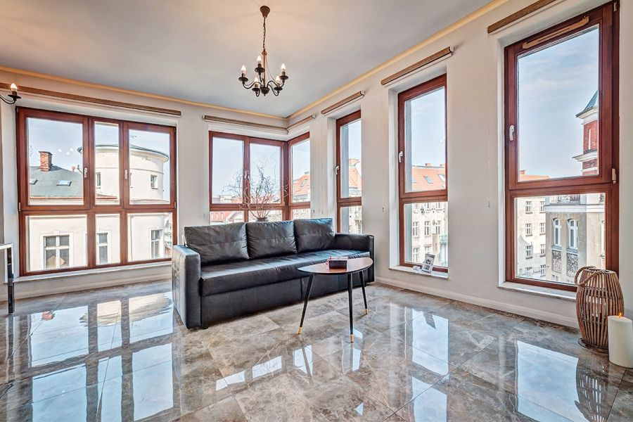 Homely Place-Apartament Royal